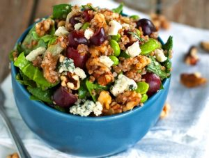 honey walnut goats cheese salad